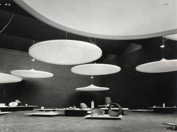 """Rassegna Internazionale dell'Industrial Design, sezione introduttiva, 1940 (©Archivio Storico """"La Triennale di Milano"""")"""