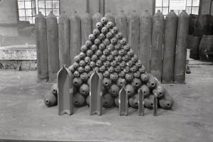 Stabilimento di Dalmine. Bombole. Anni Quaranta. © Dalmine Spa. Archivio Fondazione Dalmine