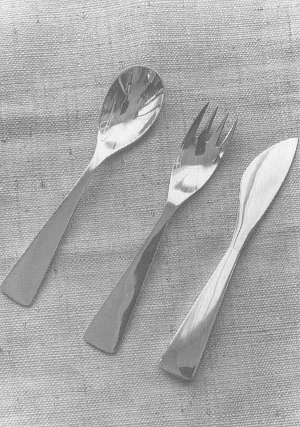 Set di posate in acciaio progettato da Gio Ponti per la Krupp italiana. Venne esposto alla IX Triennale di Milano, 1951.