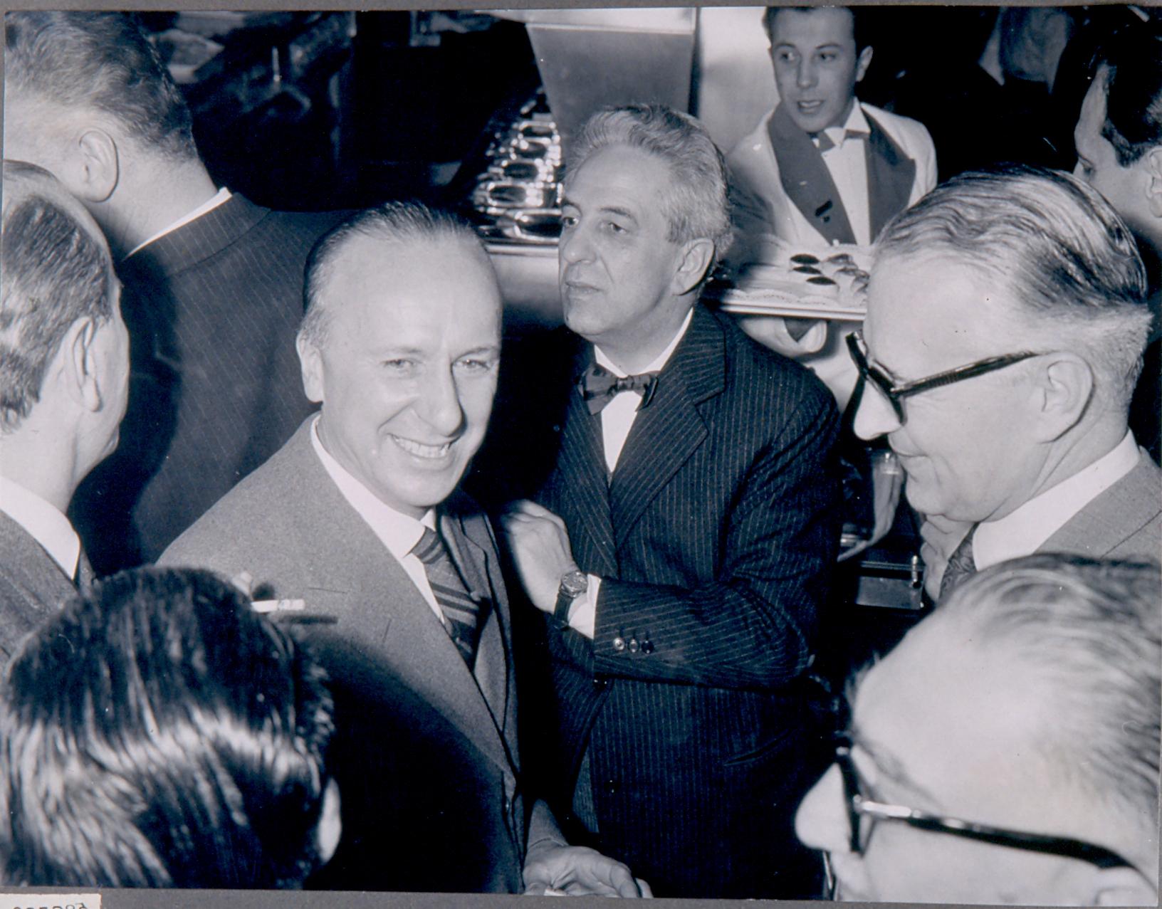 Autogrill Fiorenzuola D'Arda inaugurazione nel 1959 alla presenza dell'allora Ministro degli Interni Eugenio Scalfari. Fondo Pavesi Archivio Storico Barilla