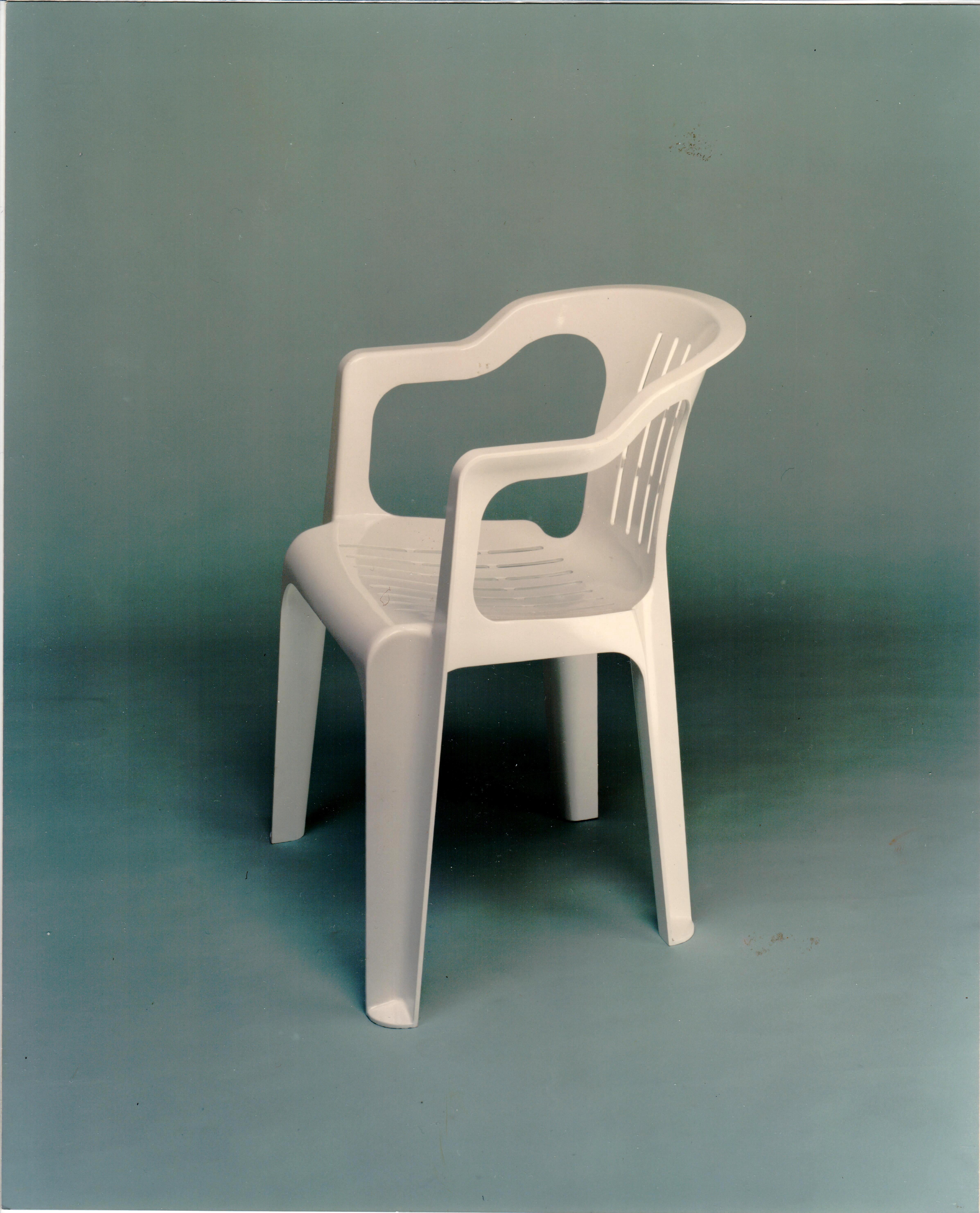 Sedia progettata da Sacchi e prodotta da ILMA Plastica dal 1976 / courtesy Archivio Giovanni Sacchi, Sesto San Giovanni.