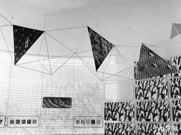 """Mostra internazionale della produzione in serie, sezione introduttiva, 1940 (©Archivio Storico """"La Triennale di Milano"""")"""