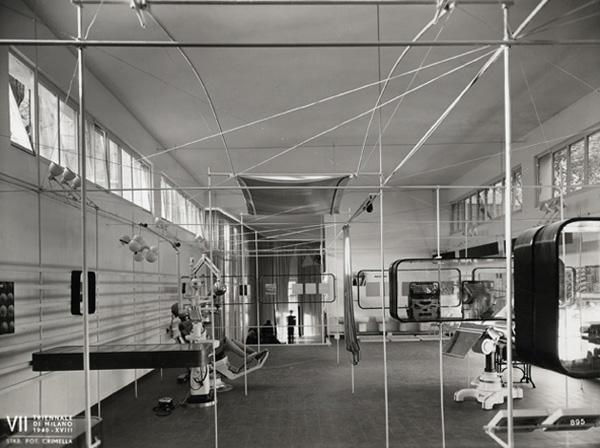 """Mostra internazionale della produzione in serie, veduta d'insieme, 1940 (©Archivio Storico """"La Triennale di Milano"""")"""