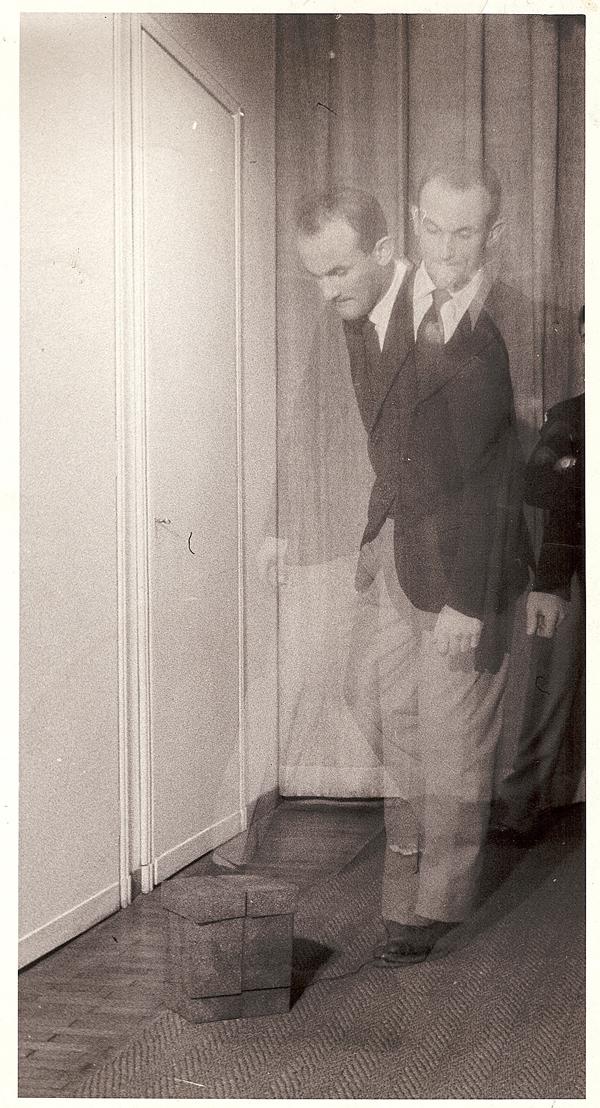 Gabriele Devecchi, Scultura da prendere a calci, 1959. / Photo: Cesare Carabelli, Courtesy Archivio Gabriele Devecchi.