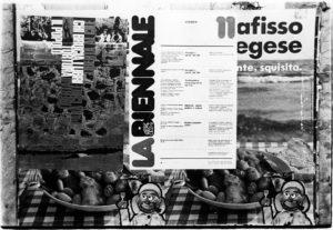 Fig. 7 Foto del manifesto Libertà al Cile realizzato da Diego Birelli e Sandro Zen affisso a Venezia, 1974 / courtesy Archivio Progetti – Università Iuav di Venezia, Fondo Diego Birelli.